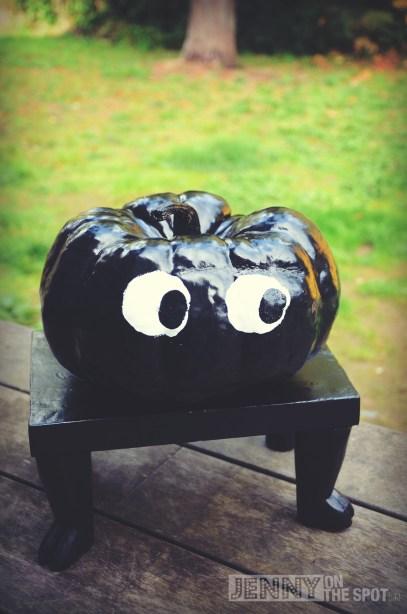 Halloween Decor: Little Miss Spider only has 4 legs.