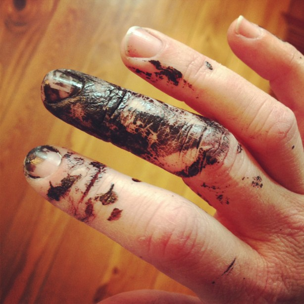 Halloween Decor: spray painting