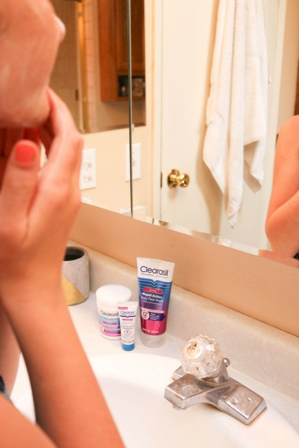 It is TOUGH being a teenager. Even without acne. Help your teens have #clearlyconfident skin in time for back-to-school with Clearasil at Walgreens...