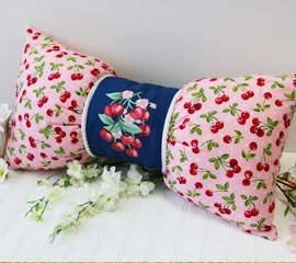 pillow bow