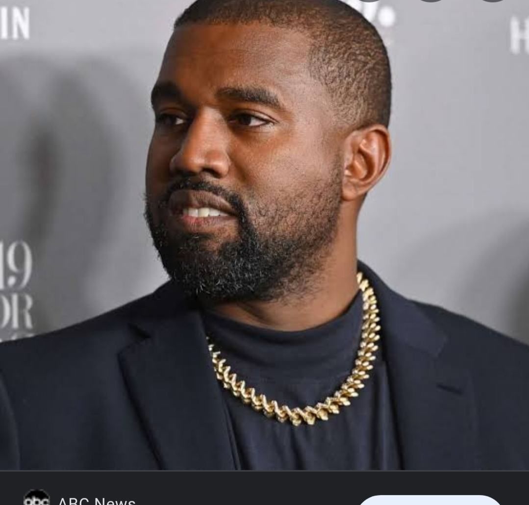 Jennysoul.com After his divorce,Kanye West is the richest black American