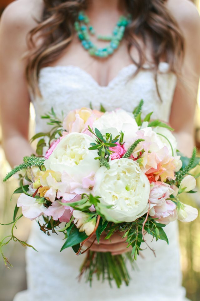Treehouse Point Shoot Bridal Bouquet || Flowers by Jen's Blossoms || Photo by Lloyd Photography
