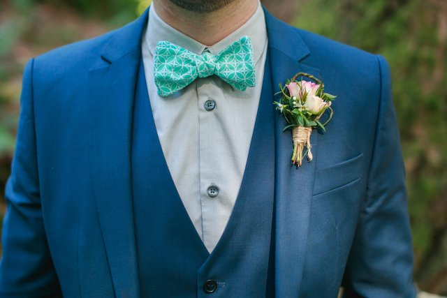 Treehouse Point Shoot Boutonniere || Flowers by Jen's Blossoms || Photo by Lloyd Photography