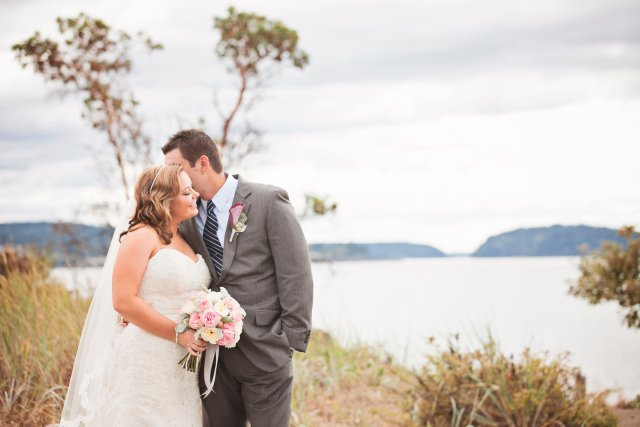 Chambers Bay Wedding Blush & Navy || Flowers By: Jen's Blossoms || Photo By: Lloyd Photographers