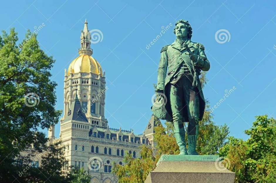 Israel Putnam statue in front of Connecticut State Capitol, Hartford, Connecticut, USA. This building was designed by Richard Upjohn with Victorian Gothic Revival style in 1872.