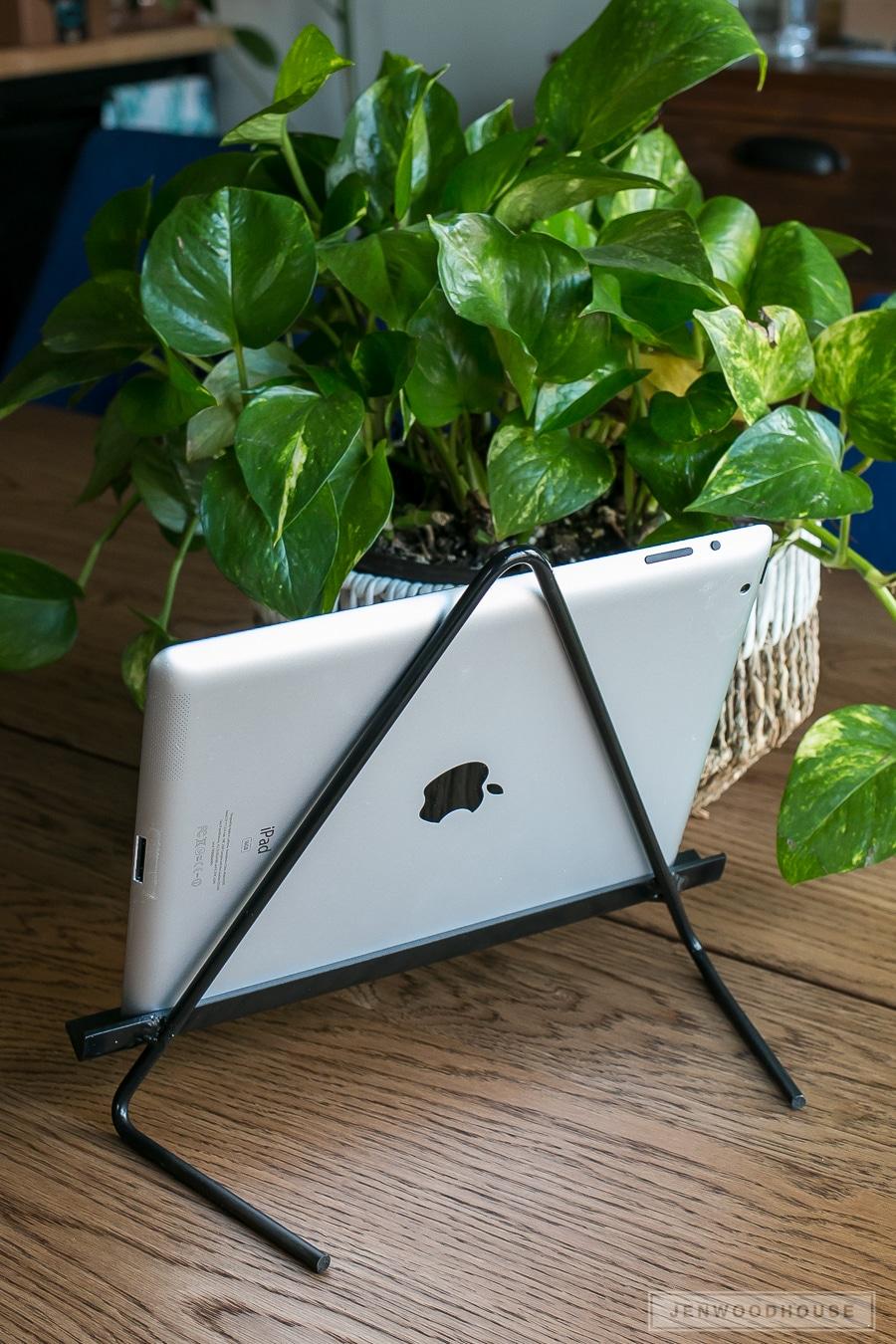 DIY Metal iPad Tablet Stand
