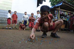 Daftar Permainan Tradisional Indonesia yang Bisa Ngalahin Gadget
