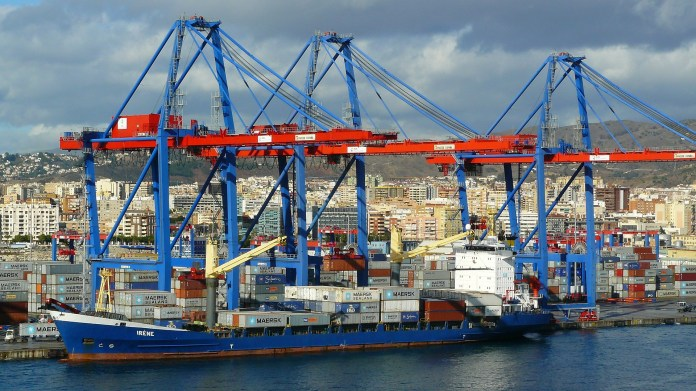 container-port-284429_1920