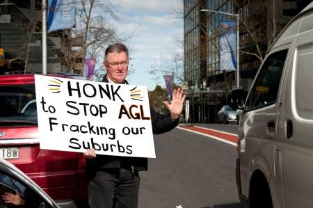 Honk against CSG