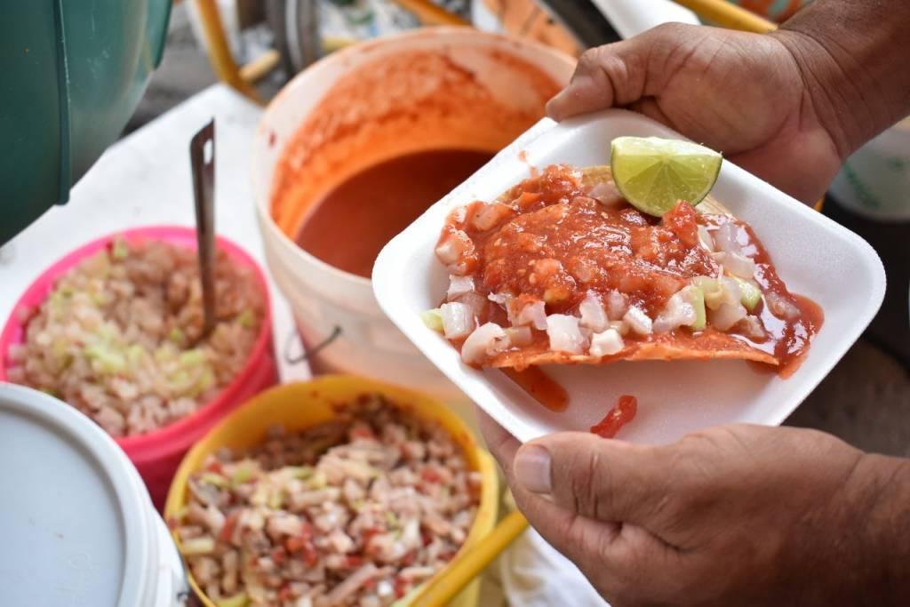 De la comida típica de Zacatecas debes probar las tostadas de jerez.