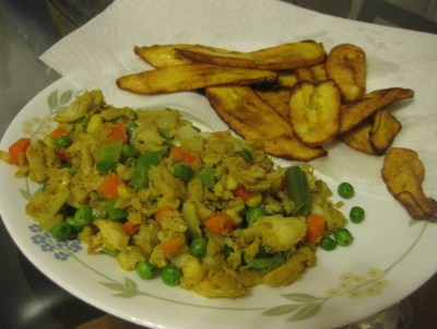Curried saltfish & fried plantains