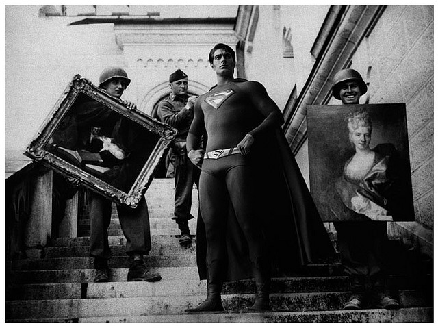 Oorlogsmisdaden en striphelden