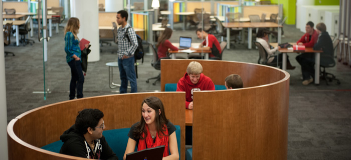Students use the Hunt Library. Photo by Marc Hall