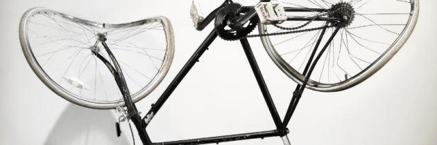 Verongelukte fietsen op gevoelige plaat vastgelegd