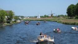 Rondvaartboot Kagerplassen