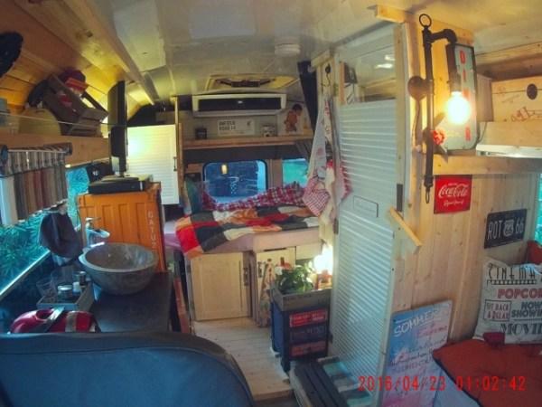Wohnmobil Camper Durchsicht