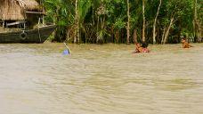 Rich fishing - just outside the Sundarban National Park, Bangladesh