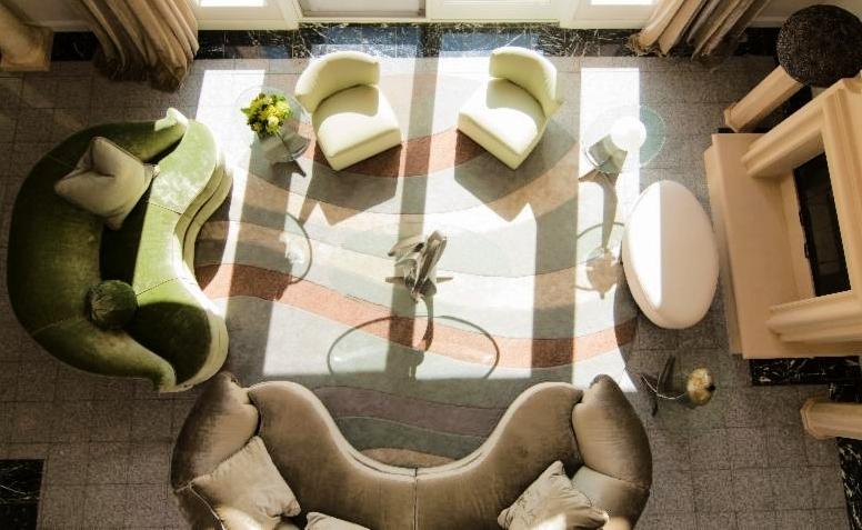 Taj Morgan Hill by Jerry Jacobs Design