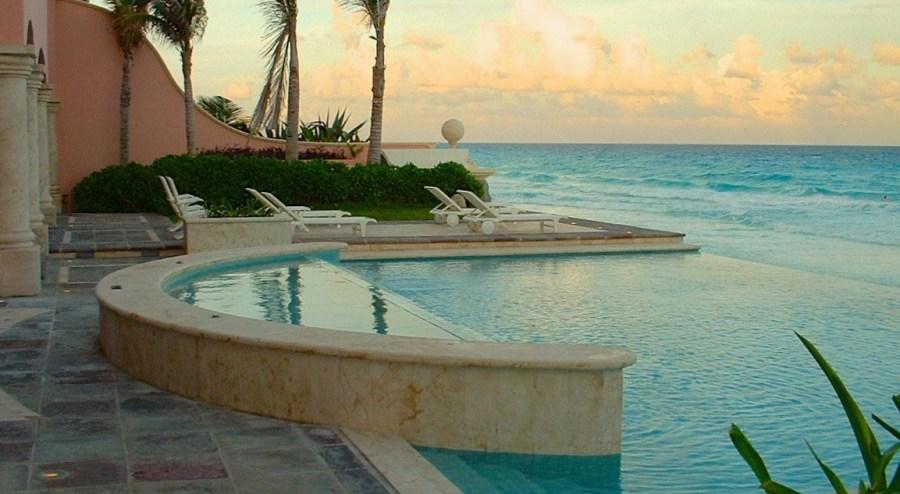 Tropical style. Hacienda Pool.