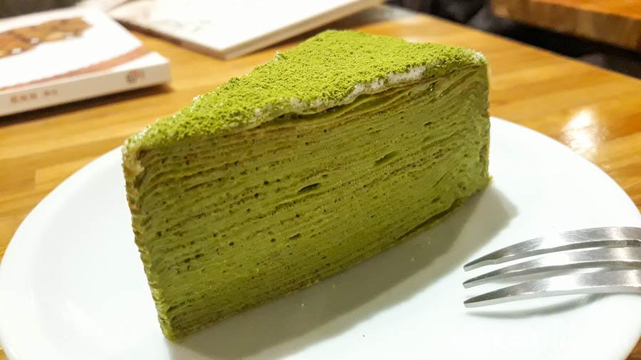 【台北。中正紀念堂】生活在他方 Elsewhere Cafe,滿屋子的繪本搭配抹茶千層蛋糕,就是要裝文青