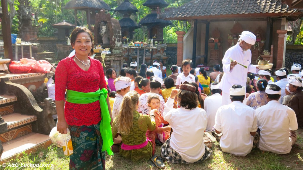 Lors d'une cérémonie pendant la fête de Galungan