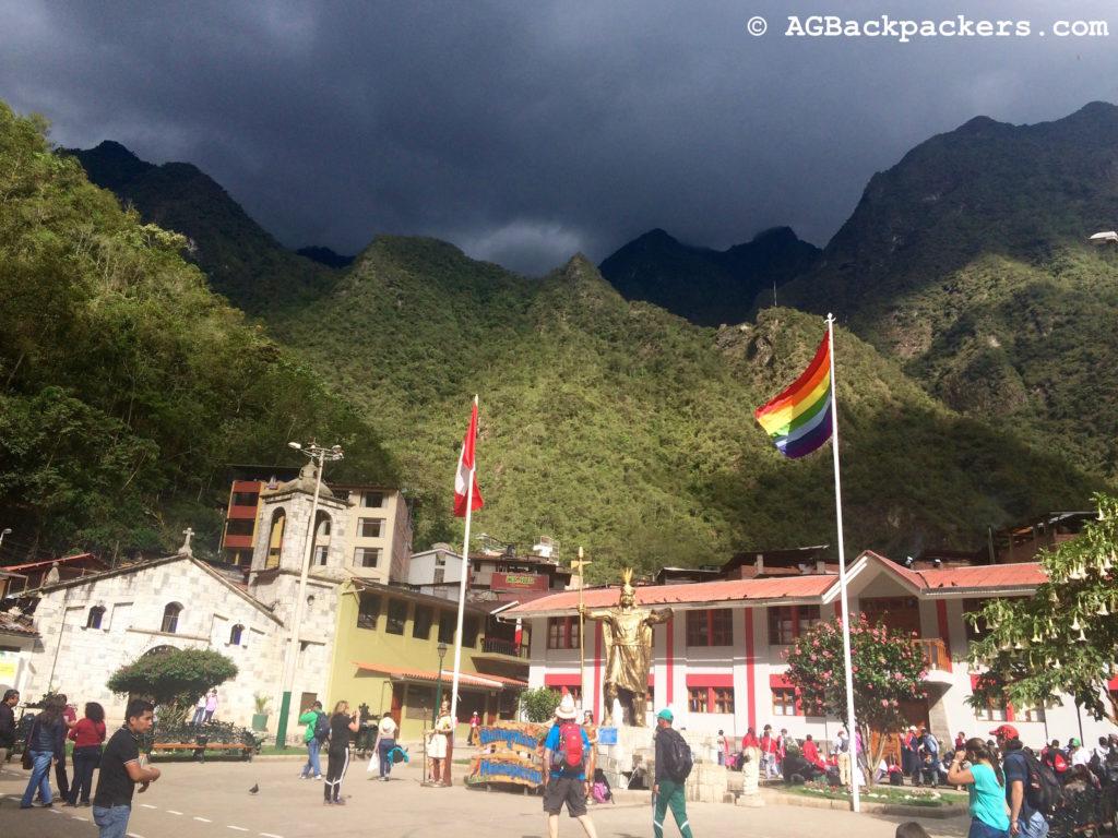 Plaza de Armas d'Aguas Calientes ou Machu Picchu Pueblo