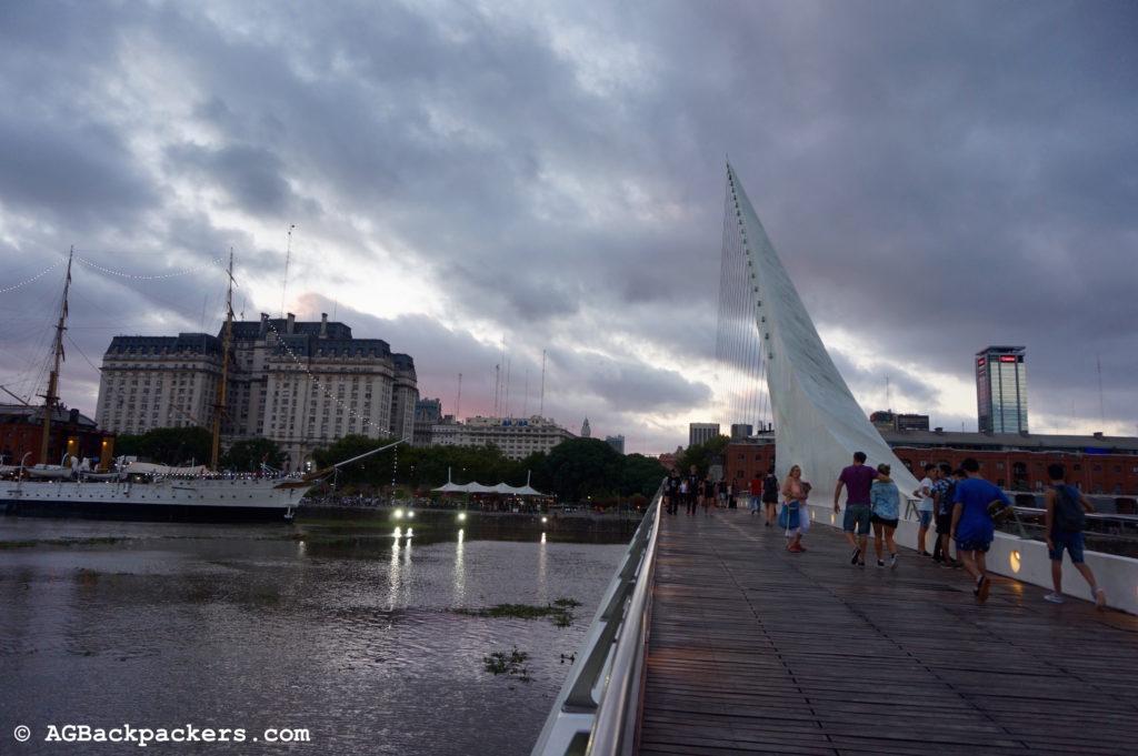Buenos Aires (E)Le Puente de la Mujer (F)Puerto Madero