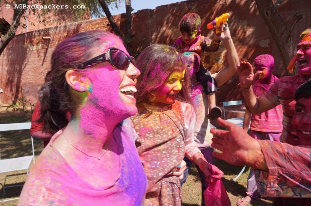 Holi Colors Bikaner Inde Ghita en couleurs au bout de quelques minutes