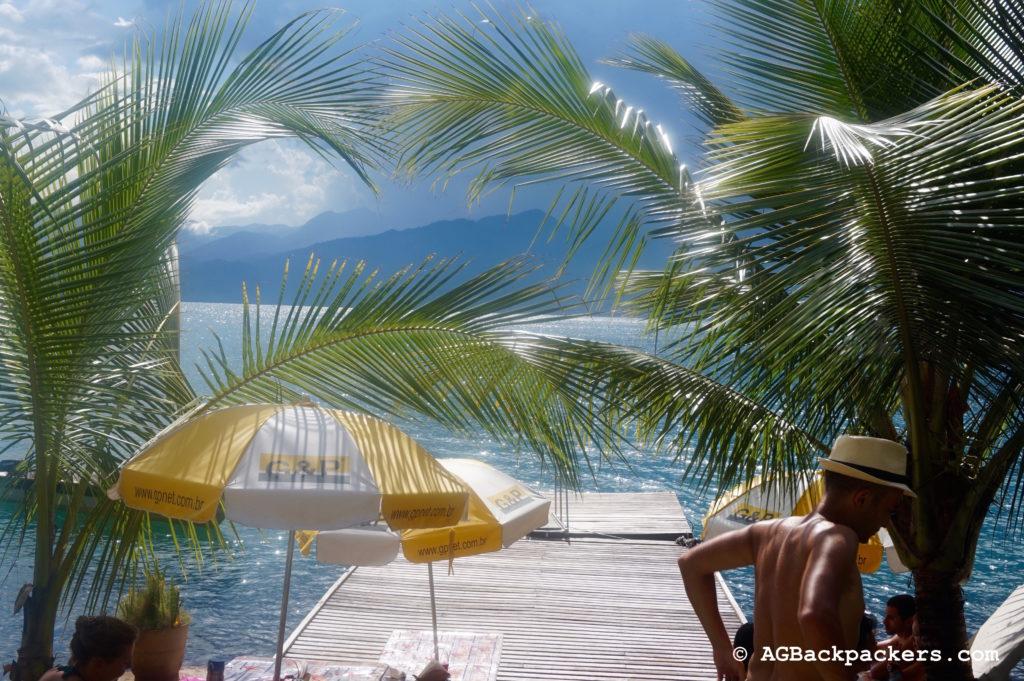 Vue du restaurant sur une île de la baie de Paraty Rio de Janeiro Brésil