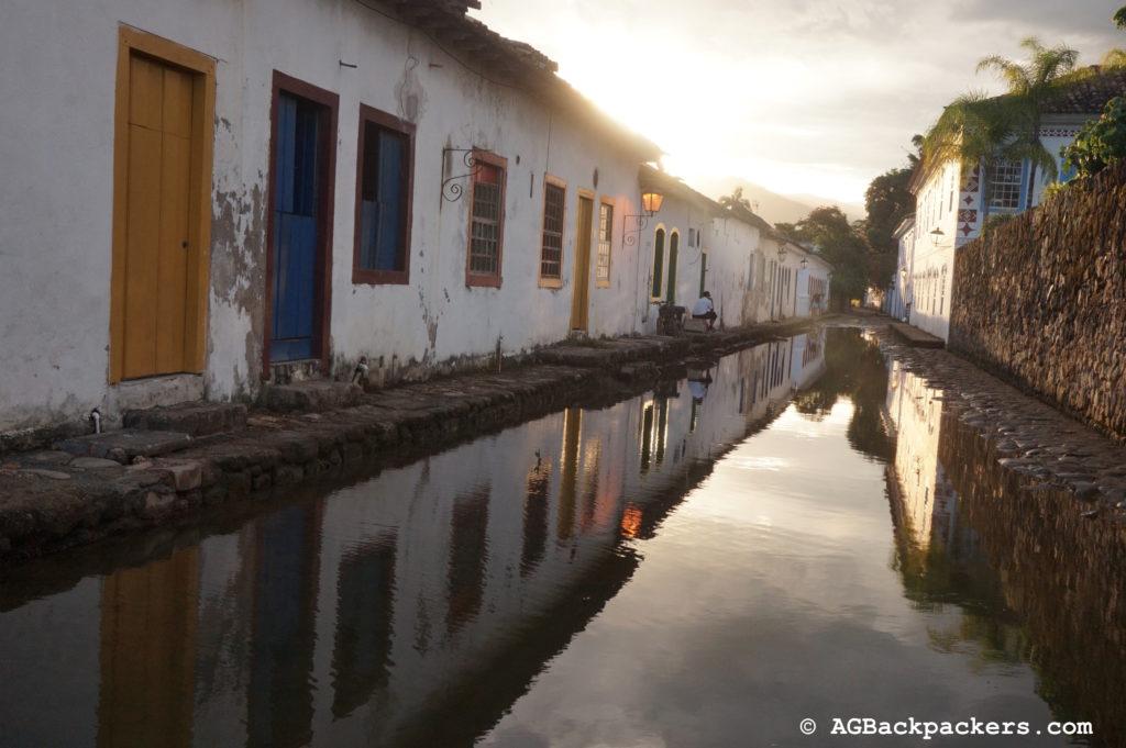 Ruelle de Paraty après une bonne pluie Rio de janeiro Brésil