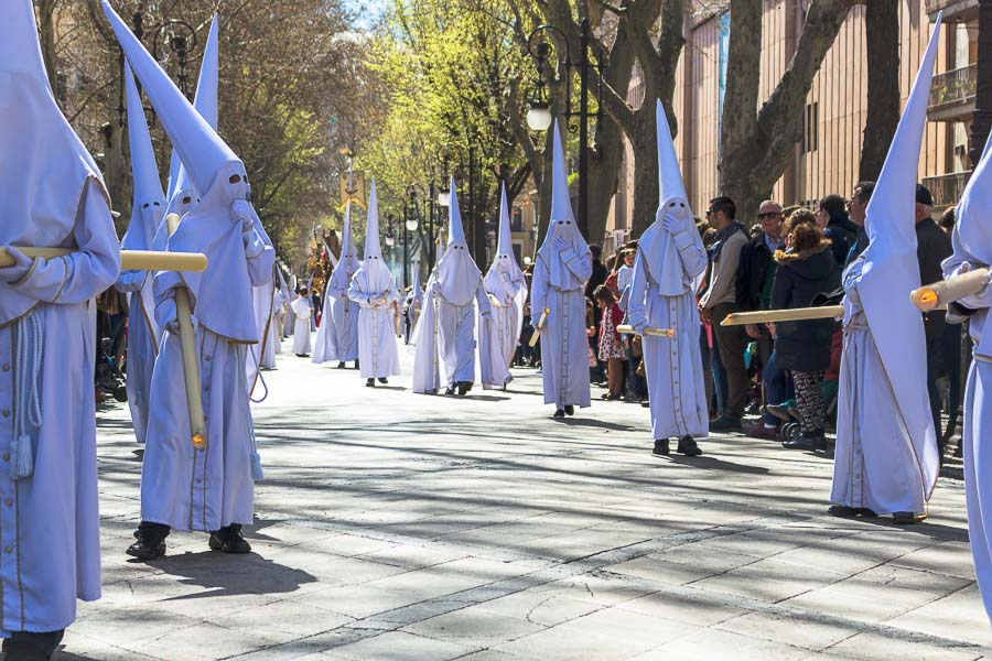 Penitentes. Semana Santa en Granada, España. Procesión