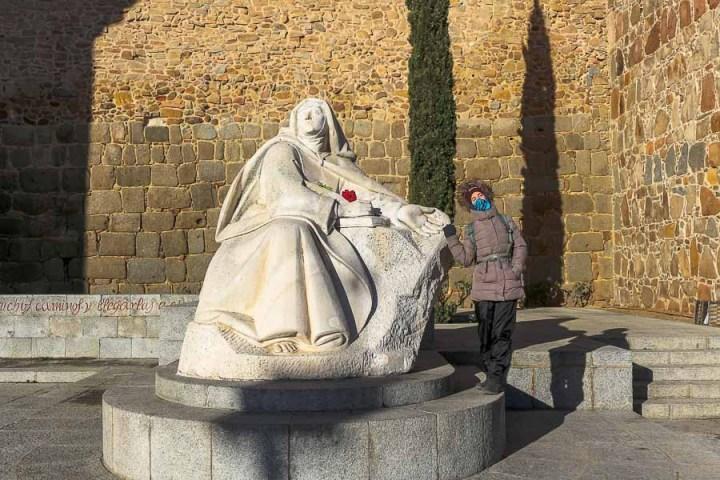 """Monumento a Santa Teresa de Jesús. """"La Palomilla"""". Ávila, Castilla y León, España"""