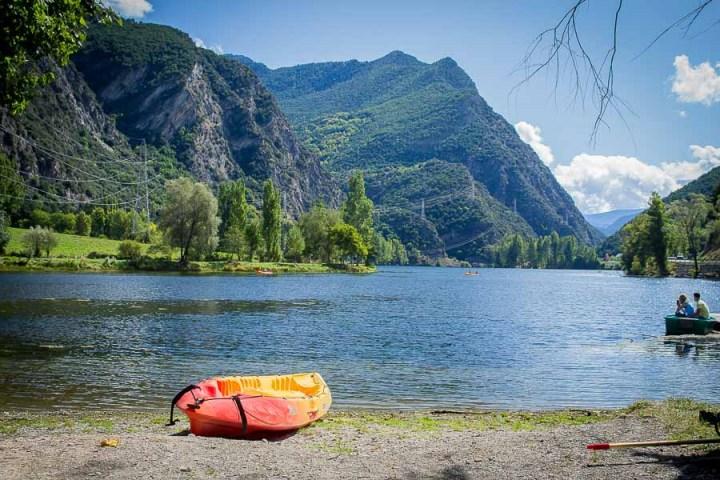 Pallars Sobira La Guingueta, Embalse de la Torrassa Parque Nacional de Aiguas Tortas y Lago de San Mauricio, o Parc Nacional d'Aigüestortes i Estany de Sant Maurici Catalunya, Espana