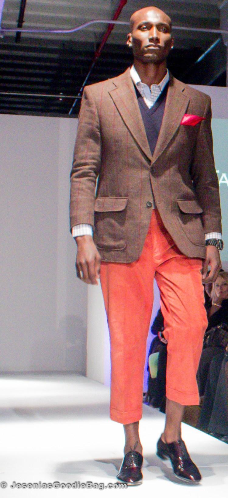 Azy Banks for Tarique Tabbani