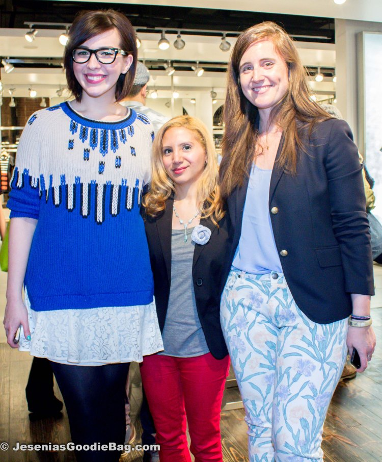 Elizabeth Monson (moveSlightly Editor), Jesenia (JGB Editor), Keiko Lynn.