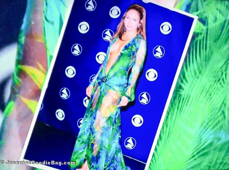 Jennifer Lopez in Versace (RTW Spring 2000)
