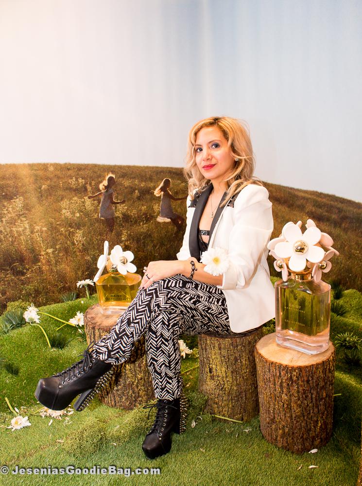 Jesenia (JGB Editor) - Photo Shoot Booth