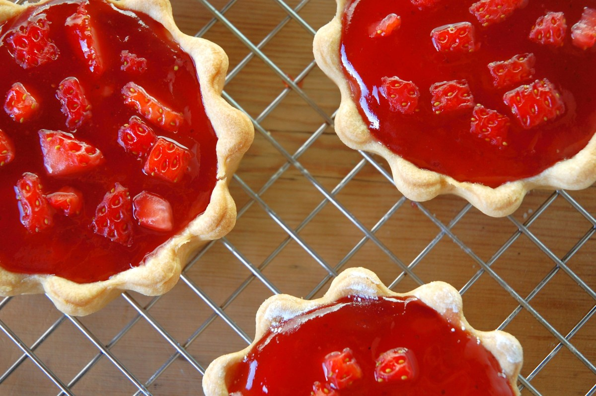 Mini Strawberry Jam & Cream Tarts