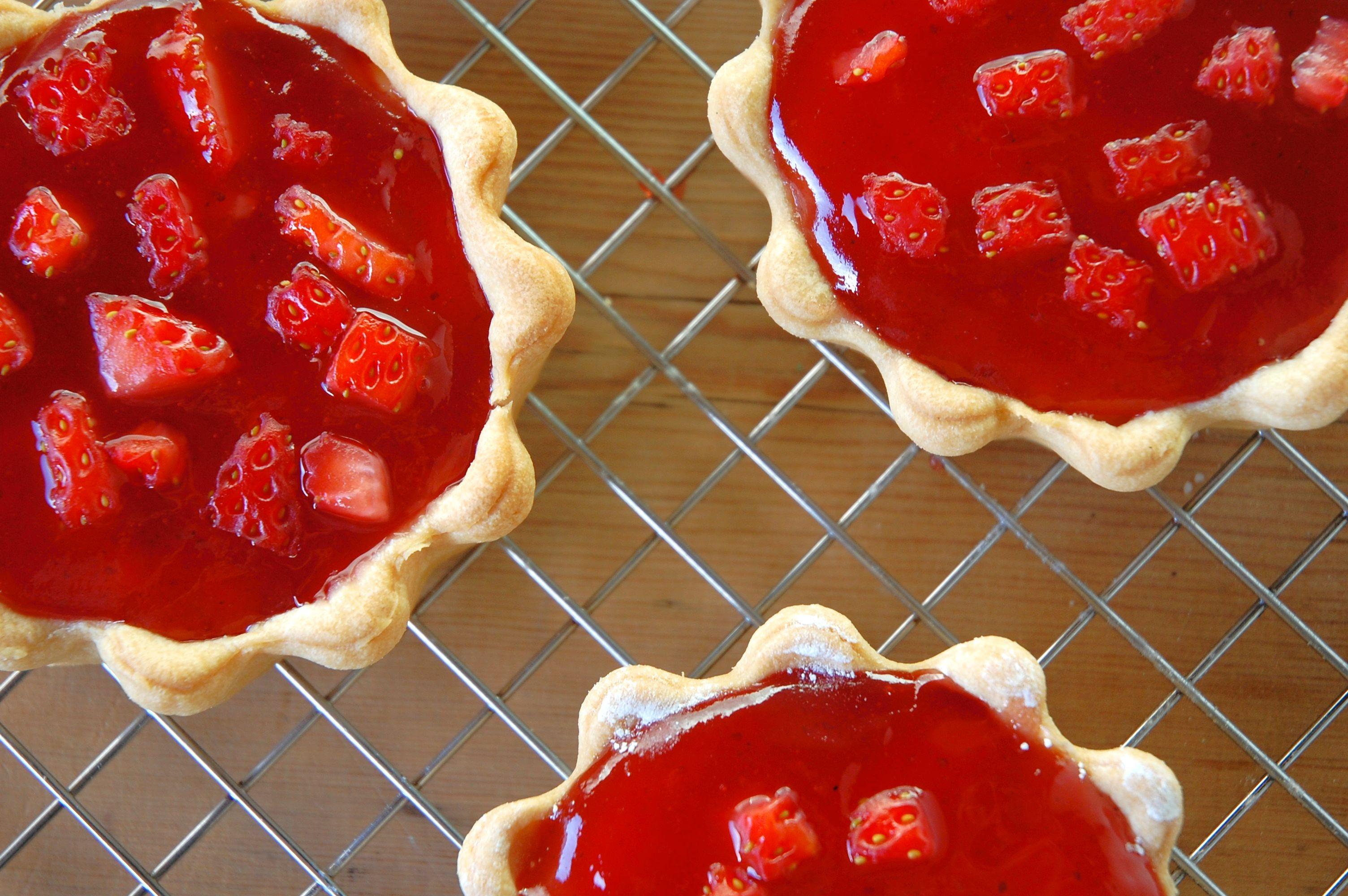 Mini Strawberry Jam & Cream Tarts