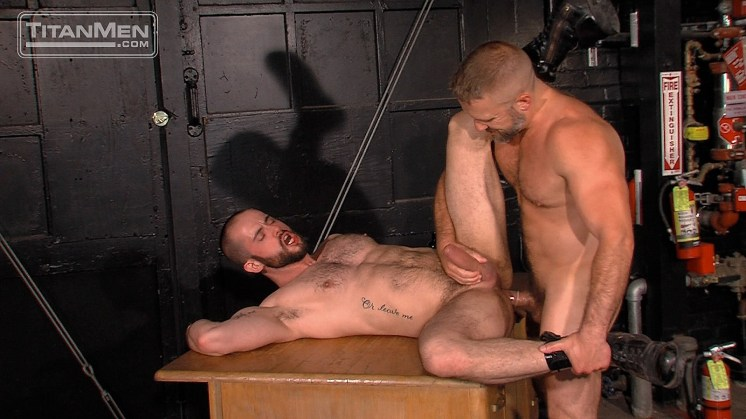 Heavy Load, Scene 1