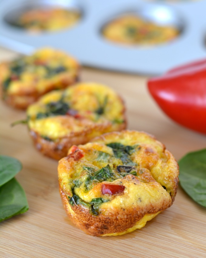 Spinach and Red Pepper Mini Frittatas | Flying on Jess Fuel