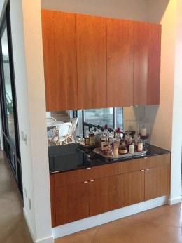 Bar - mirrored