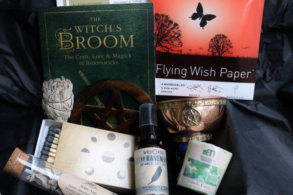Box of Shadows subscription box