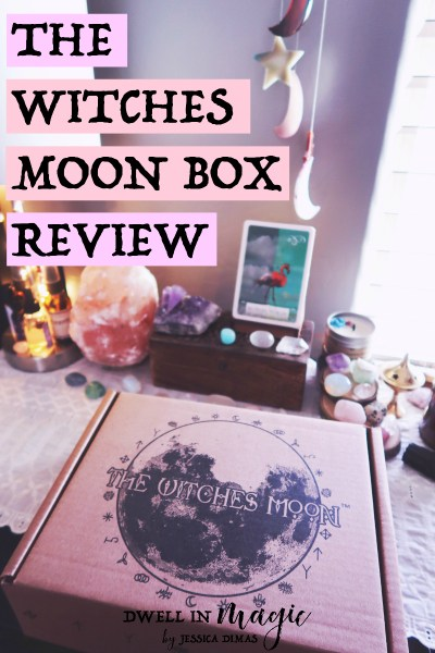 Everything we received this month in The Witches Moon subscription box #witchythings #subscriptionbox #dwellinmagic #spiritualbox #witchybox