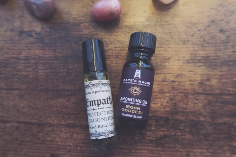essential oils and sprays make awesome gifts for spiritual friends