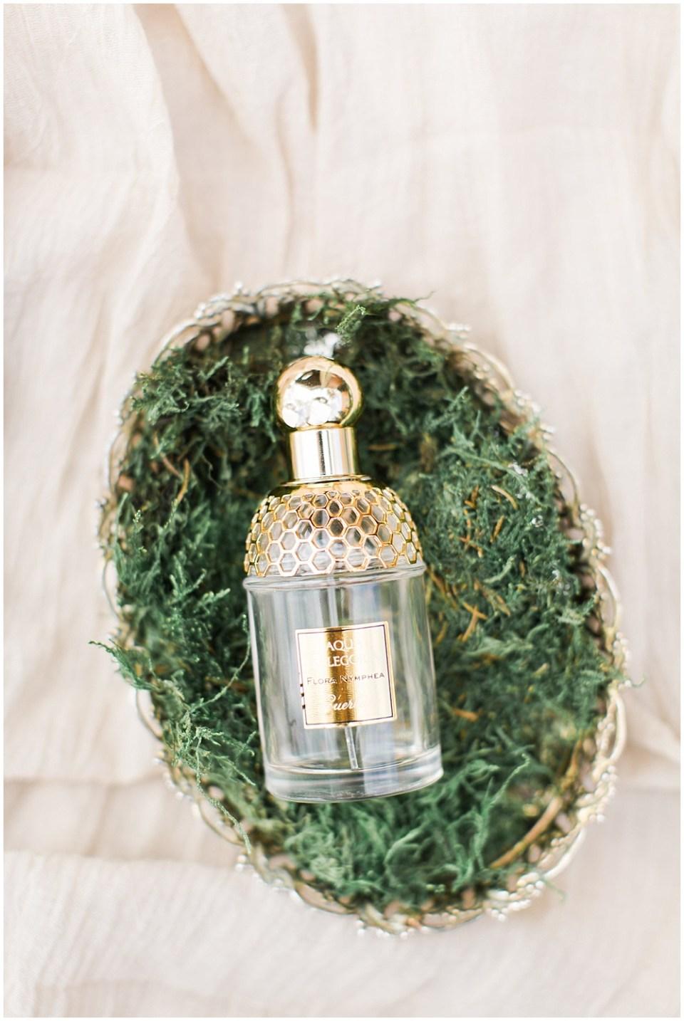 gold perfume bottle, barn in zionsville wedding, ellie + tyler, ivan and louise images, jessica dum wedding coordination