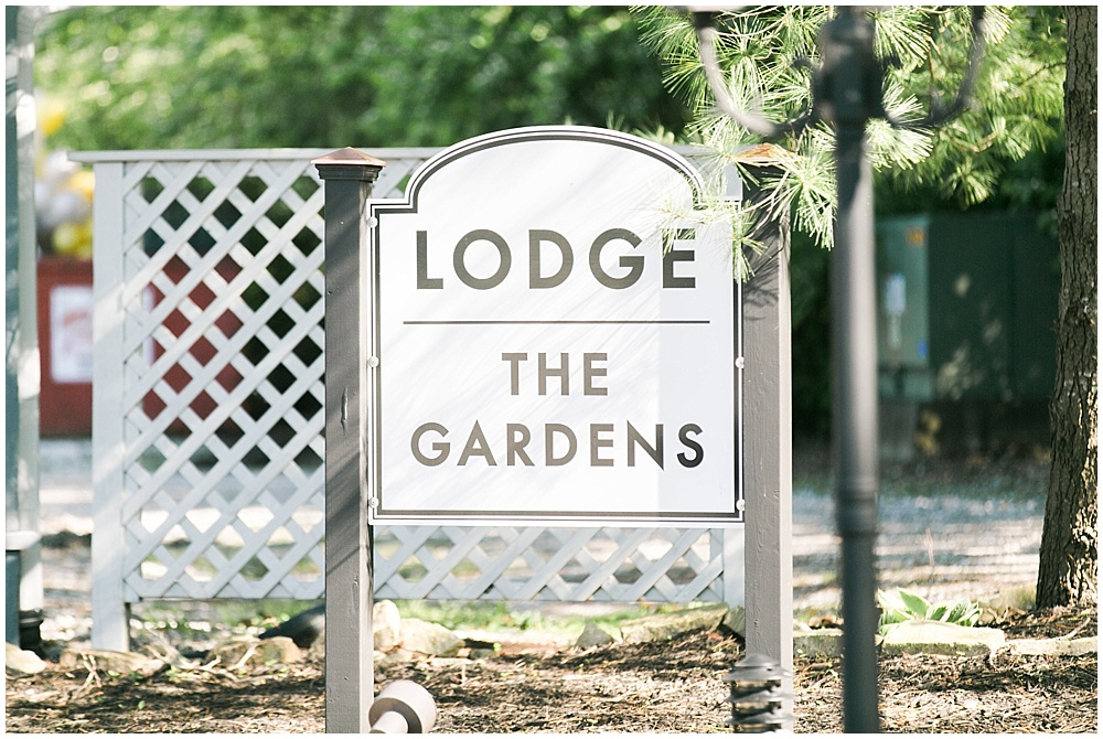 The Lodge at The Willows on Westfield, Spring floral + gold wedding | Ivan & Louise Images | Jessica Dum Wedding Coordination