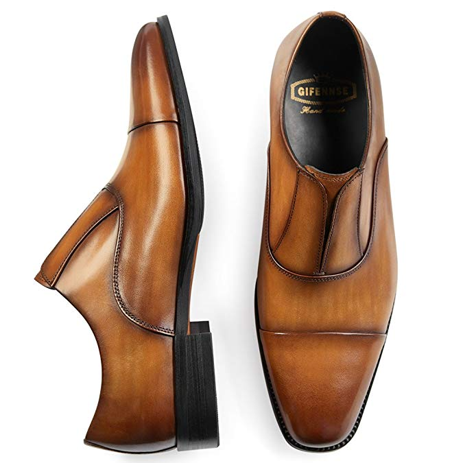Ultimate Gift Guide for your Groomsmen | groomsmen gifts, gifting, bridal party, bridal party gifts, gifting guide, gifts for men, holiday gifts, holiday gift guide, gifts for men, professional gifts, leather shoes, brown wedding shoes