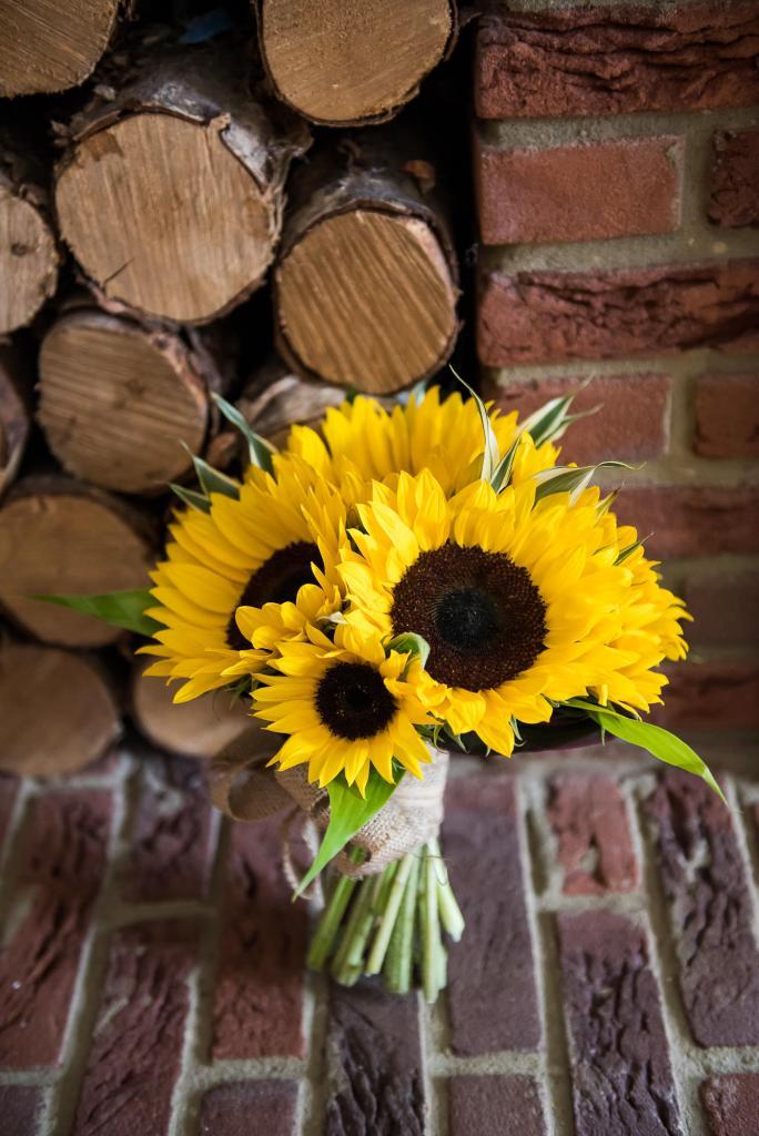Outdoor Wedding Ceremony, Surrey Wedding Photography, Gorgeous Bridal Bouquet of Sunflowers