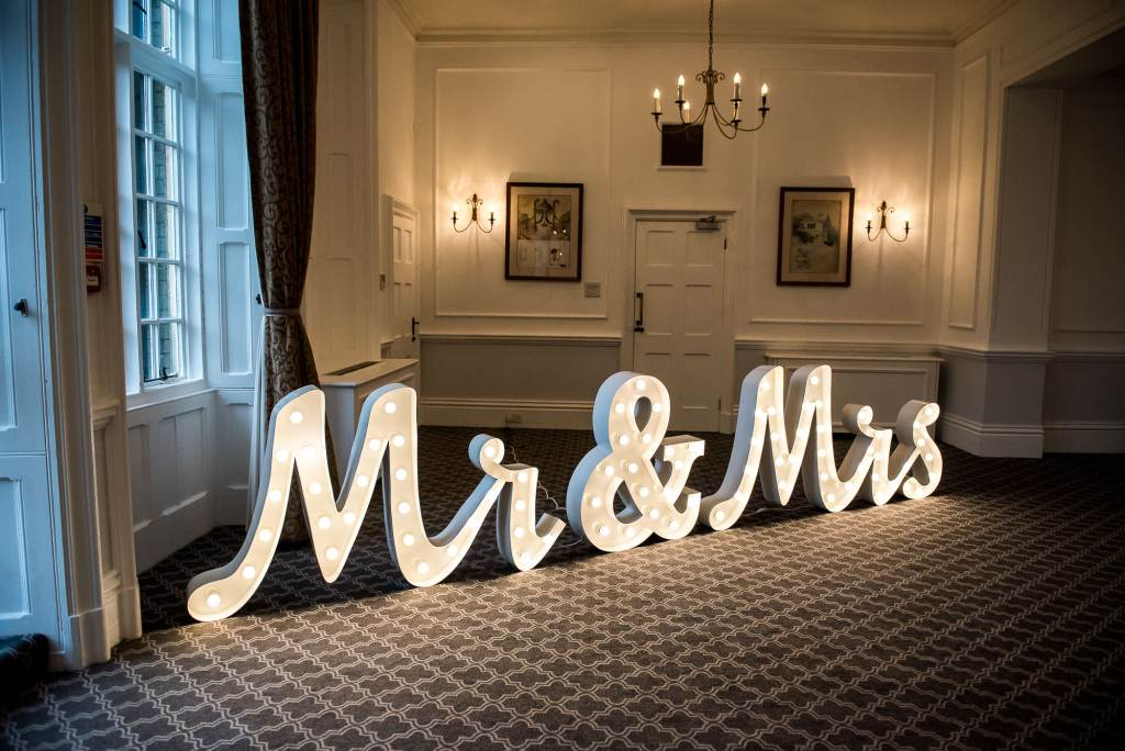 mr and mrs giant lights